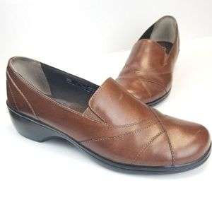 Great Condition Clarks 8.5M Brown Leather Slip On